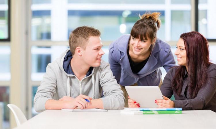 Laat docenten niet alléén hun eigen lesprogramma bedenken