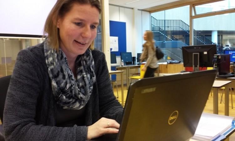 """Leonie Pellen: """"Digitaal onderwijs stimuleert jongeren serieuzer opdrachten te maken"""""""