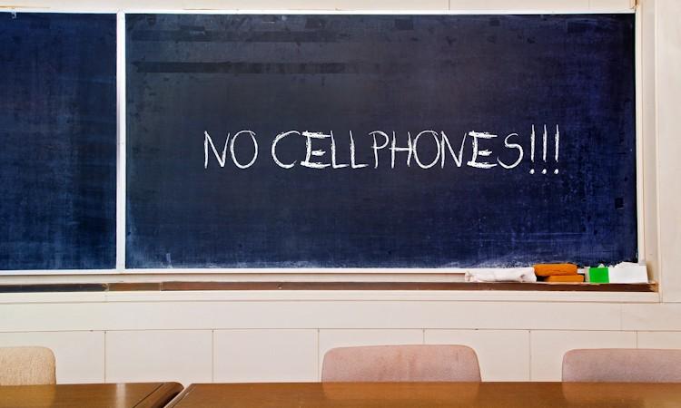 Smartphones uit de les weren? Zeker weten!