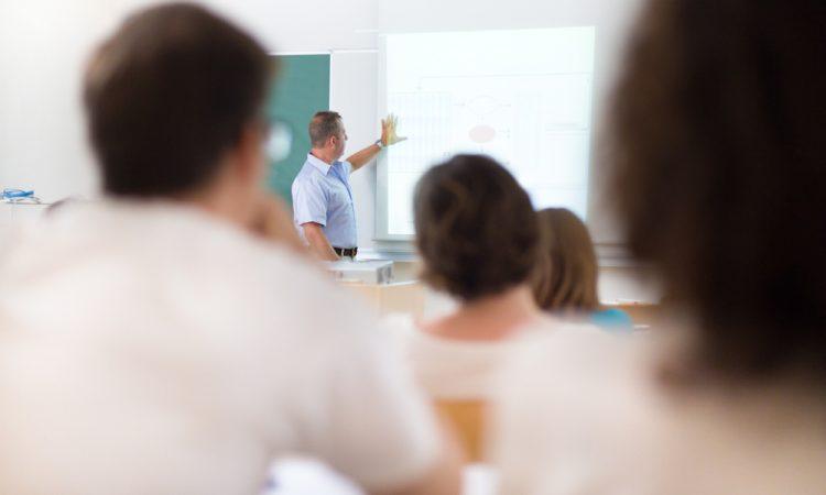 1,7 miljoen extra voor bijscholing van vmbo-docenten