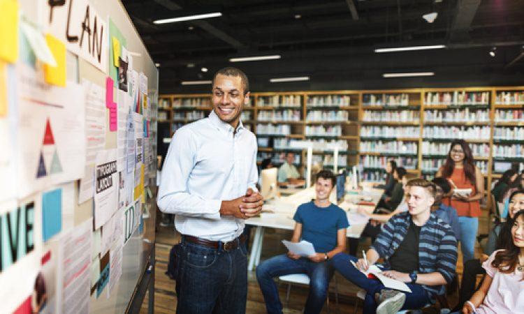 10 uitspraken van docenten en leerlingen: Waar voldoet een goede docent aan?